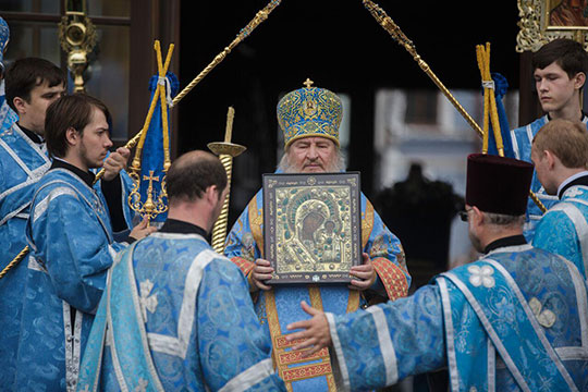 Тот список, которому ныне поклоняются вБогородицком монастыре икоторый именуют «ватиканским», тоже всегда считался чудотворным