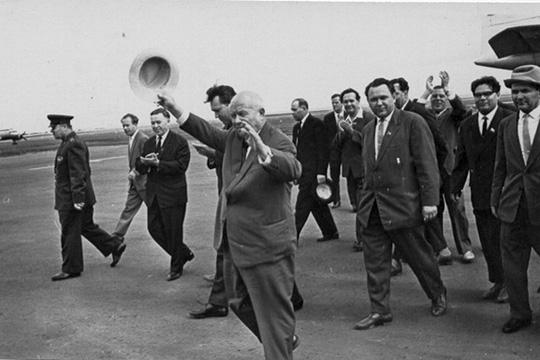 Встреча Хрущева в Татарии Бадыгов - третий слева 1964 год