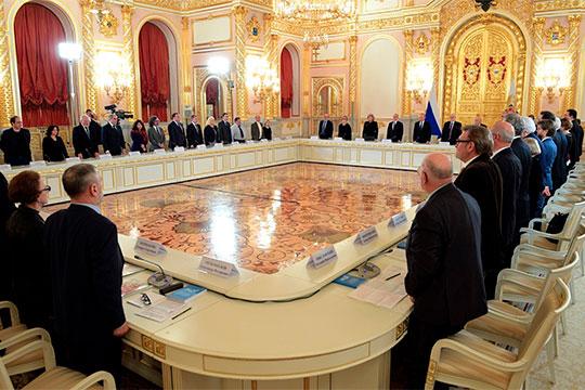 Минутой молчания в память об известной правозащитнице Людмиле Алексеевой открыл накануне президент России Владимир Путин заседание совета по развитию гражданского общества и правам человека (СПЧ)