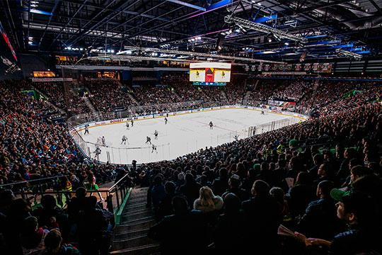 «Соследующего сезона потолок зарплат составит 800млн рублей. Регламент КХЛ меняется— онзаставляет идти клубы наомоложение составов»