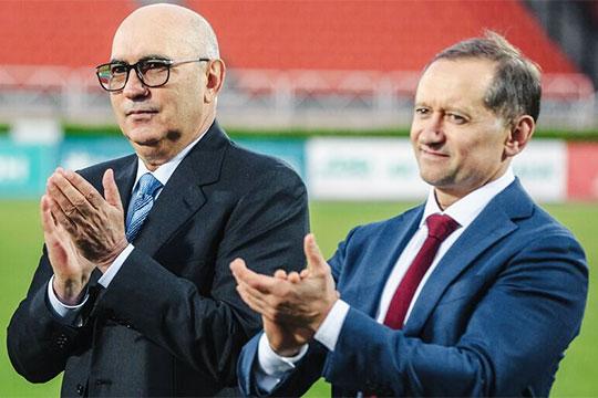 «В настоящий момент впервые за долгое время перед игроками нет никаких долгов, — сообщил «БИЗНЕС Online» Рустем Сайманов (справа)