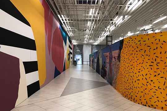 Сейчас площадь, где располагался «Бахетле», атакже находившиеся рядом сним выставка «Ван Гог» ишоу-рум «Кан Авто», пустует