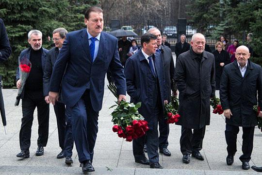 Сегодня в Москве в траурном зале на улице маршала Тимошенко прощались с Василием Лихачевым