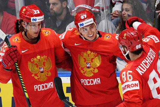 Никита Гусев (в центре) и Кучеров (справа) играют вместе с детства