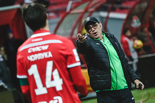 Непосредственным поводом для нынешнего развода Курбана Бердыева с «Рубином» стал приземленный вопрос— зарплата тренера