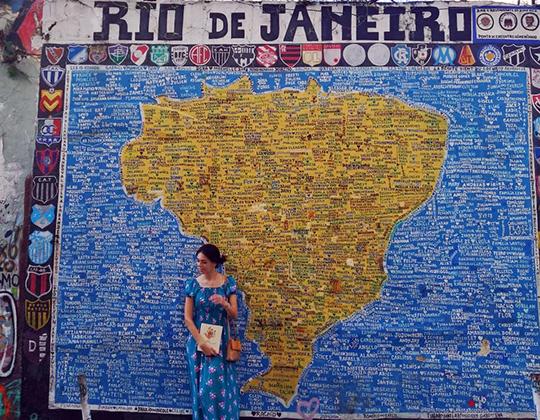 «Я в Рио», — отчиталась я на ритуальные «Как ты, где ты?». «Сочувствую», — среагировал голос в трубке. Точнее и не скажешь»