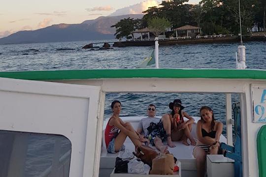 «Черепахи годами плавают у соседнего острова, куда вас, конечно, с радостью отвезут — но за определенную плату и по нечётным числам месяца»
