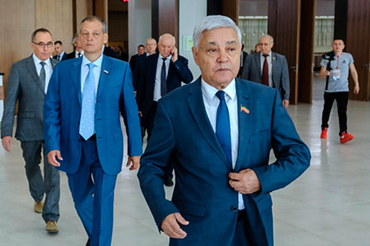 «Будем считать, им надоело депутатство»: кому Фарид Мухаметшин грозит «красной карточкой»?