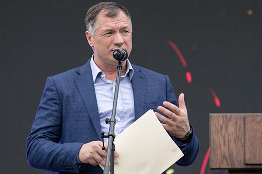 Политическая звездаАхметзяновавзошла в2010 году, когда онвозглавил Чистопольский район Татарстана, поговаривают, что небез участия экс-министра строительства РТМарата Хуснуллина