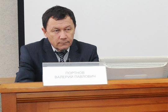 Валерий Портнов прошел в Казани все ступени авиационной карьерной лестницы, начиная со второго пилота Ан-2 и до генерального директора авиакомпании «Татарстан»