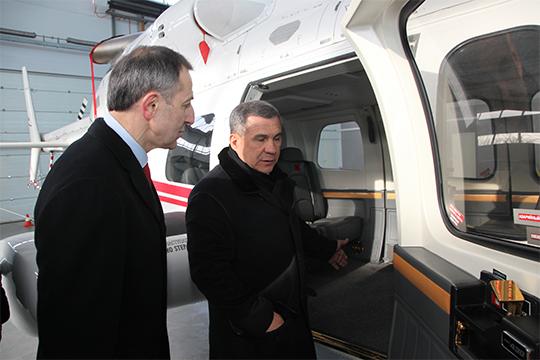 Генеральный директор ОАО «Казанское авиапредприятие» Магомед Закаржаев (слева) начал свой путь в небо в махачкалинском аэроклубе