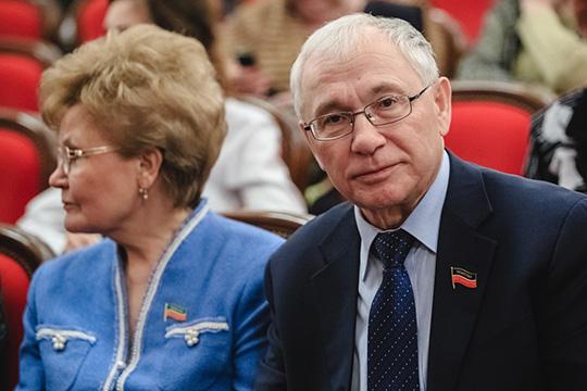Разиль Валеев, судя повсему, завершает свою карьеру законодателя, которая непрерывно продолжалась ажс1990 года