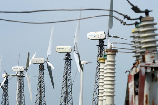 Сейчас никакой программы строительства ветряков в стратегии нет