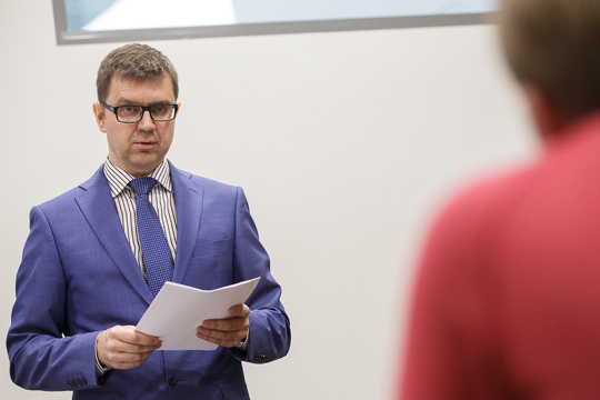 По словам Григория Бусарева, как правило, за размещение чужих объектов в Интернете следует компенсация от 20 до 50 тыс. рублей, но требования об уплате может предъявить только правообладатель или его представитель