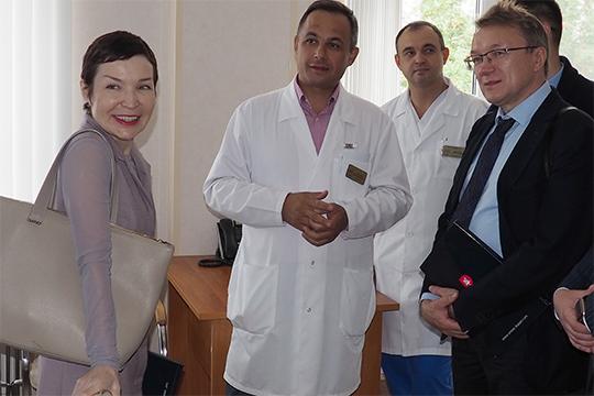 Рафаэль Шавалиев (в центре): «Нет ни тарифа, ни нормативной базы. Получается, телемедицинские технологии есть, а админстративные еще не поспели»
