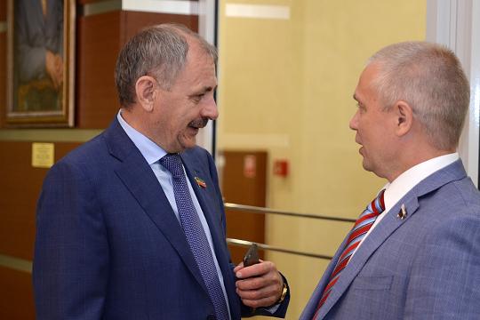 Доходы действующего депутата Фоата Валиева (слева) составили более 39 млн. руб.