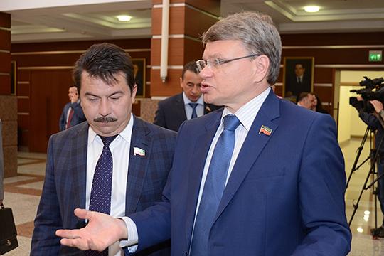Самый большой доход в3-мКремлевскомокруге заректором КГМУ, депутатомГоссовета РТАлексеем Созиновым—2,9млнруб.