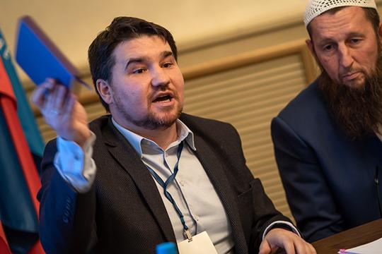 Рустам Батыр так и говорит: у меня не про науку, а про идеологию — что-то в духе «пора переходить к экспорту передового российского ислама в арабские страны»