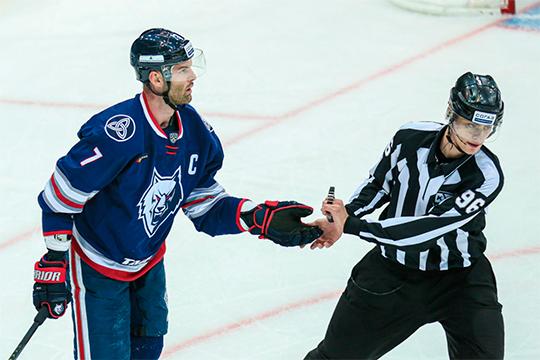 Единственный опытный игрок, к которому сложно предъявить претензии, это Степан Захарчук