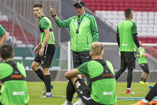 «Мне было интересно смотреть, как он [Курбан Бердыев] работает, учиться у него. Я приходил на его тренировки и смотрел не только упражнения, а то, как он управляет командой — это важно»