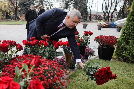 Юрий Жданов:«Досих пор дружу сего семьей: Ириной Борисовной, внуком. Считаю, что таких людей вмоей жизни, наверное, небудет. Онабсолютно выдающийся, уникальный, порядочный человек»