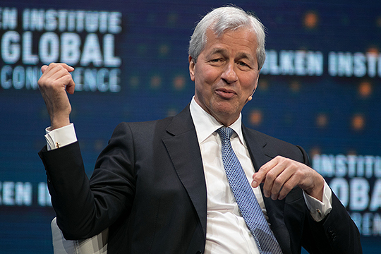 Джейме Даймон, миллиардер и CEO JPMorgan Chase (одного из крупнейших инвестбанков США), в своем выступлении упомянул «американскую мечту» и служение американскому народу