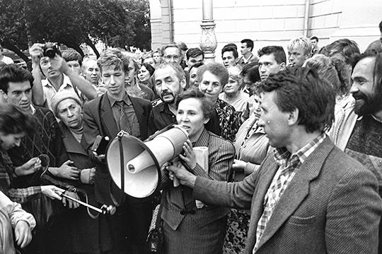 «Ильдар Зарипов — дитя оттепели, реформатор. Во времена, когда считалось, что искусство не может быть национальным по содержанию, Зарипов провозгласил новый тезис, что искусство может быть национальным и по содержанию, и по форме»