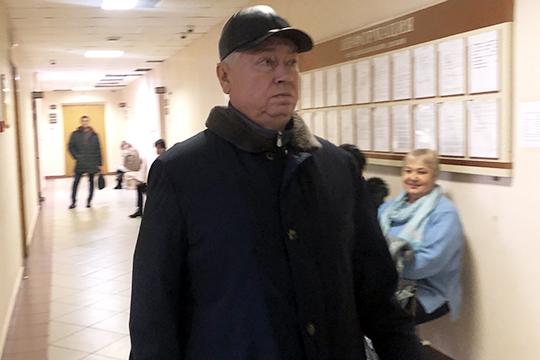 Роберт Мусин молча ходит в суд, а в след ему периодически летят нелицеприятные и колкие фразы вкладчиков