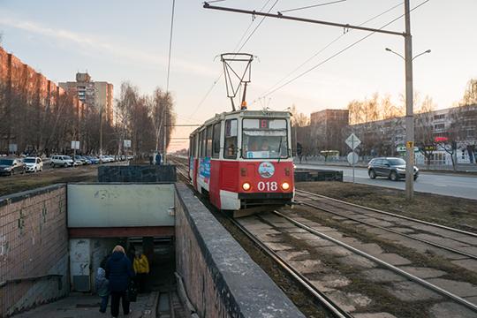 Конкретно сегодня, пословам Афанасьева, КАМАЗ всеже сможет вывезти своих работников трамваями— обэтом топ-менеджмент компании оперативно договорился напрямую с«Татэнергосбытом»