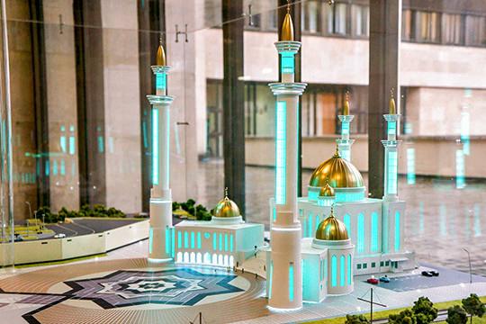 Лицезреть под окнами мэрии знаменитый долгострой — соборную мечеть «Джамиг», по всей видимости, Абдуллину порядком надоело и исполком решил ускорить процесс, растянувшийся на четверть века