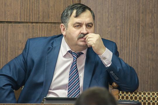 Экс-прокурор города Александр Евграфов в период войны бывшего мэра Василя Шайхразиева с игорной деятельностью неоднократно предъявлял претензии к Миргалиеву, как владельцу помещения под вывеской «Аю», где в то время размещалось казино