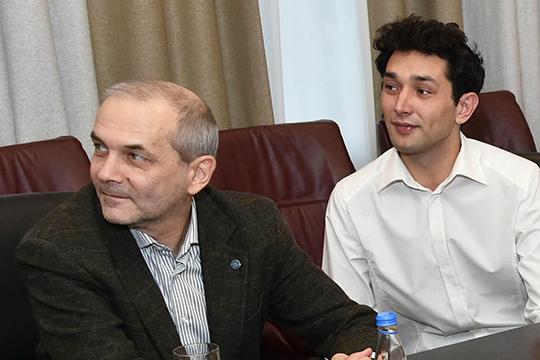 В медиа уже засвечено имя фаворита в борьбе за место главного режиссера — это Олег Киньзягулов из театра им. Камала (справа)