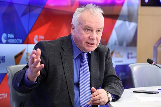 «Россия не должна допускать то, что делает Европарламент своими декларациями — попытки приравнять её к фашистской Германии и признать коммунизм такой же ужасной тоталитарной системой как фашизм»