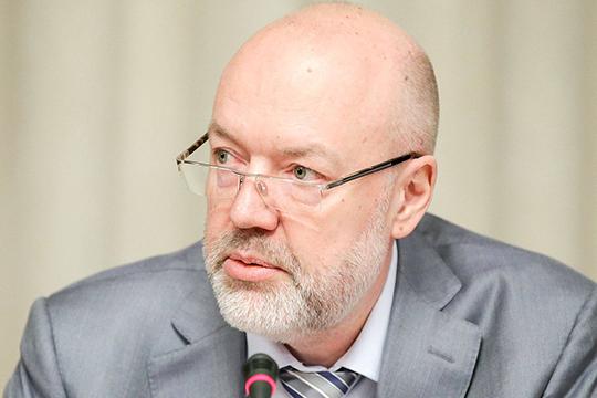 Сопредседатель рабочей группы Павел Крашенинников пояснил журналистам, что перед входящими в состав этого органа 75 юристами поставлена задача готовить поправки ко второму чтению законопроекта