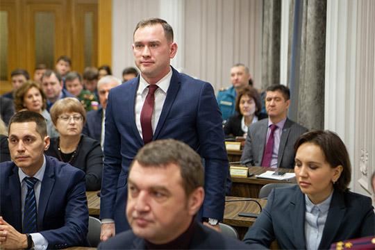 Начальником управления образования города стал директор лицея-интерната №2Ирек Ризванов