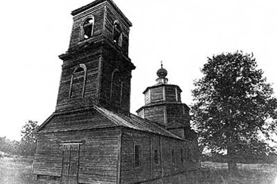 Второй объект, над которым работает Попов, деревянная Михаило-Архангельская церковь в Камском устье