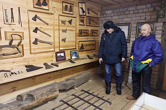 Реставрационный центр Александра Попова имеет лицензию Росохранкультуры на обучение и повышение квалификации в области реставрации. И, в частности, по деревянному зодчеству