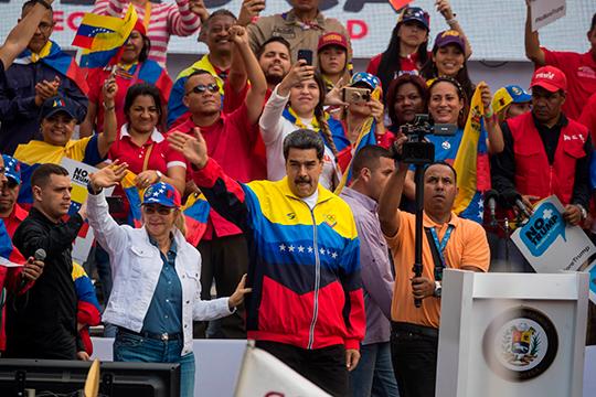 «США возглавляют дипломатическую коалицию из 59 стран против социалистического диктатора Венсеуэлы Николаса Мадуро», — сказал Трамп, обозвав президента до кучи тираном, жестоким к своему народу