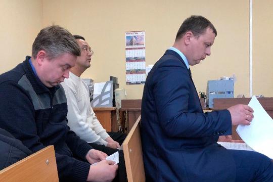 Ответчиком стал начальник казанского вагонного участкаОлег Коновалов (справа)