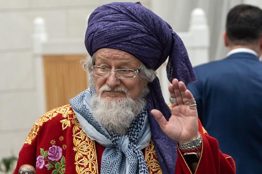 Ярче других на закрытой части проявил себя верховный муфтий России Талгат Таджуддин, который раскритиковал академию, дескать, здесь готовят больше имамов, а ведь стране нужны богословы