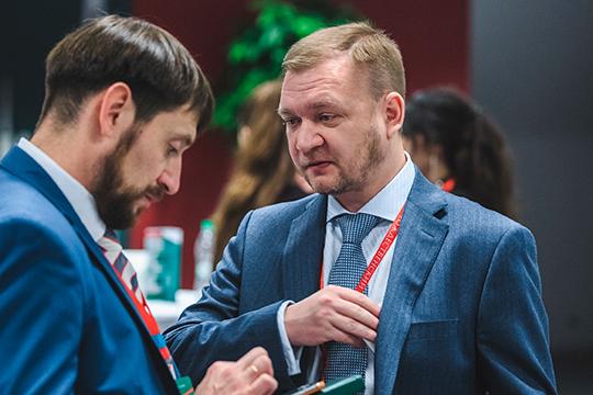 Андрей Савельев (справа) считает, что снижение ставок значительно повлияет на динамику спроса