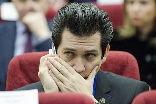Неожиданно вышел наружу спор двух членов правительства - молодого министра экономикиФарида Абдулганиеваи многоопытного министра финансовРадика Гайзатуллина