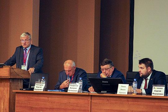 Работа скорой помощи и медицины катастроф требует предельной концентрации сил и ресурсов, но не все это понимают, отметили на прошедшей вчера в Казани отраслевой конференции