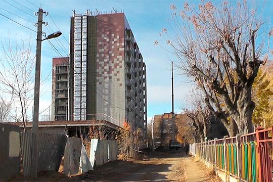 «Какой-то несчастливый дом»: почему десятиэтажка «Свитлайн» горит второй раз за месяц