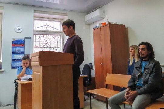 Чуть менее трех лет условного срока получили сегодня всовокупности организаторы сети игорных салонов Илья Ковшов иШухрат Кулиев