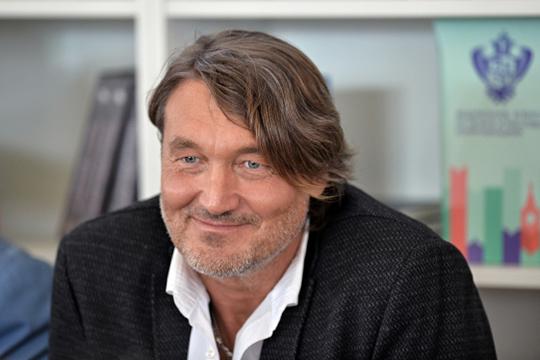 Владислав Отрошенко