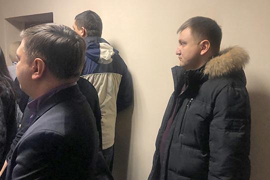 Гособвинитель также допросилидоцента кафедры аналитической химии, сертификации именеджмента качестваСаида Бахтеева (справа)