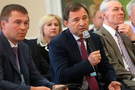 ВНабережных Челнах главным отельером эксперты признают владельца АО«Татпроф»Сергея Рачкова (в центре)