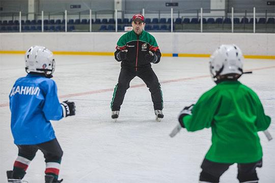 «На раннем этапе спортивной карьеры важно научить ребёнка трудиться, действовать в интересах своей команды, до конца отдавать свои силы победе, выкладываться и не жалеть себя»