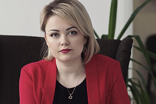 Гендиректор исовладелицакитайской компании «Камасталь»Алевтина Кузьминасвободно говорит накитайском, часто выступает вроли переводчика наделовыхвстречах